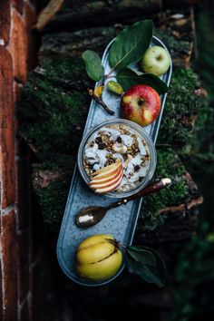 autumn breakfast: hemp milk-quinoa-oat porridge with quinces and apple compote & a foodist give away