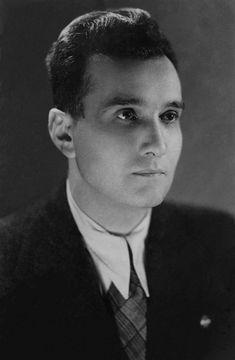 Giuseppe Terragni (Meda 1904 - Como 1943), architetto italiano considerato il massimo esponente del razionalismo italiano