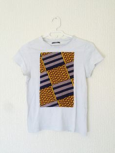Upcycling - Tee shirt blanc motif tissu imprimé wax africain