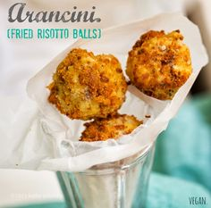 How to Make Vegan Arancini, aka Fried Risotto Balls. Used leftovers from her Sweet corn risotto recipe. Vegan Foods, Vegan Snacks, Risotto Balls, Allergies Alimentaires, Arancini, Vegan Appetizers, Food Allergies, Going Vegan, Food Inspiration
