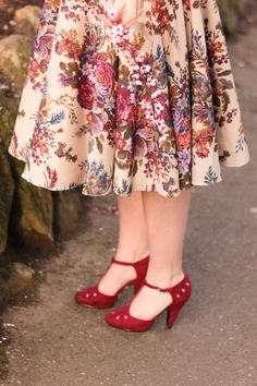 Pinup Fashion: Cherry Blossoms, Skirts and Ikebana | Finding Femme