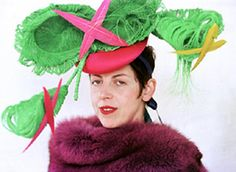 "Isabella Blow ""If you don't wear lipstick, I can't talk to you. Isabella Blow, Sophie Dahl, Stella Tennant, Ladies Who Lunch, Kinds Of Colors, Philip Treacy, Lady Gaga, Headdress, Style Icons"