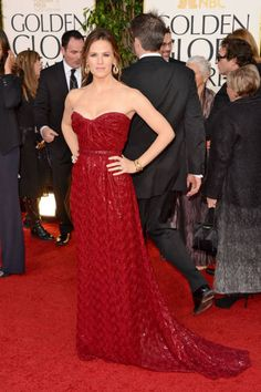 Jennifer Garner in red Vivienne Westwood, Golden Globes 2013
