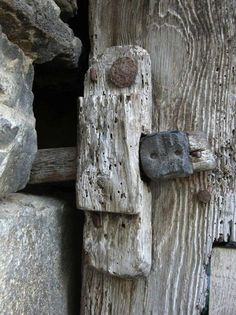Old Door by Ainhoa Pcb Knobs And Knockers, Door Knobs, Door Handles, Wabi Sabi, Old Doors, Windows And Doors, Ideas Terraza, Door Detail, Weathered Wood