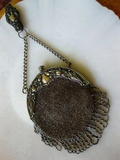 Vintage Bags I have a weakness for these sterling silver purses - Vintage Silver, Antique Silver, Antique Jewelry, Vintage Jewelry, Antique Art, Silver Jewelry, Vintage Purses, Vintage Bags, Vintage Handbags