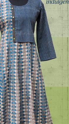 Kurta Designs, Kurti Designs Party Wear, Long Kurti Patterns, Khadi Kurta, Abaya Mode, Angrakha Style, Cotton Gowns, Kurti Styles, Indian Designer Suits