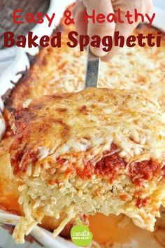 A meatless baked spagetti recipe that's quick and easy. This kid-friendly dinner idea is made w/ pasta, jarred spaghetti sauce, cottage cheese, & mozarella. Baked Spaghetti Pie, Vegetarian Spaghetti, Cheese Spaghetti, Spaghetti Sauce, Baked Spaghetti Casserole, Recipes Using Egg, Egg Recipes, Cooking Recipes, Gourmet
