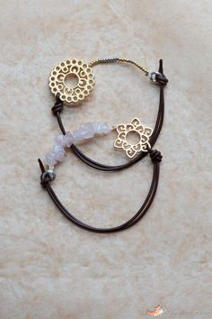 Leather bracelet without a closure ~ The trick is to string the beads using elastic beading thread, crimping each thread end securely. Easily seen in the pic. #handmade #jewelry
