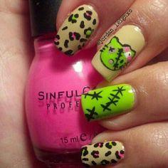 Hello Kitty 'Zombie' Nails
