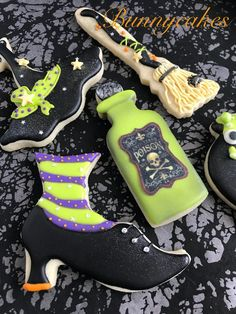 Halloween themed Witch royal icing sugar cookies by Bunnycakes halloween cookies Halloween Cookie Recipes, Halloween Cookies Decorated, Halloween Sugar Cookies, Halloween Baking, Halloween Biscuits, Candy Corn Cookies, Fall Cookies, Iced Cookies, Cute Cookies