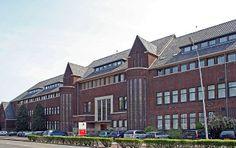 Van 2004 tot en met 2008 heb ik gestudeerd aan de Hogeschool Zuyd te maastricht. Ik heb hier met succes de opleiding OTC Japans Engels afgesloten