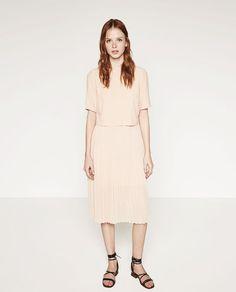 Image 1 de ROBE MI-LONGUE de Zara