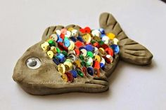 """"""" - Exploring the Story with Clay Cool kids art project. Clay fish with sequin scales. From Sun Hats & Wellie BootsCool kids art project. Clay fish with sequin scales. From Sun Hats & Wellie Boots Kids Crafts, Summer Crafts, Hobbies And Crafts, Arts And Crafts, Beach Crafts For Kids, Clay Projects, Projects For Kids, Diy For Kids, Air Dry Clay Ideas For Kids"""