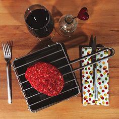 Porque su punto no es siempre tu punto , llega la #parrilla individual de #sobremesa! (También ideal para #singles) ↔️ Perquè el seu punt no és sempre el teu punt , arriba la #graella #individual de #sobretaula ( també ideal per singles) ↔️ Because 'medium' is not always your medium , get the new single #grill! #welovebbqsauvic #sauvic #barbecue #barbacoa