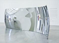 s-curve Los Angeles Steel Sculpture, Sculpture Art, Display Design, Store Design, Anish Kapoor, Powerful Art, Land Art, Public Art, Visual Merchandising