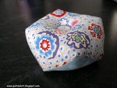 Biscornu pincushion tutorial