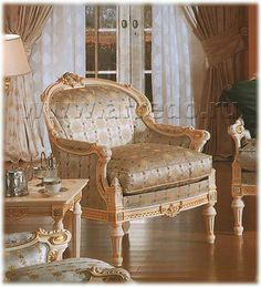 Dating αντίκες καναπέδες επιζών λυκείου που χρονολογείται από το κοράκι