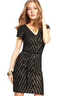 MSK Short Sleeve V-Neck Sequin Pattern Dress