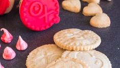 Shortbread Stamped Cookies are a delicious buttery melt in your mouth cookie that makes the perfect Valentine's Day Treat. Stamped with your favourite message! The kids will love helping you bake these Shortbread Cookies. Chocolate Shortbread Cookies, Spritz Cookies, Shortbread Recipes, Italian Lemon Cookies, Frozen Cookies, Holiday Cookie Recipes, Holiday Foods, Cookie Calories, Cookies Et Biscuits