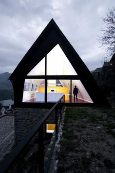 Perch in the Spain Pyrenees-Cadaval & Solamorales Architects