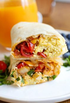 Vegetarian Breakfast Egg Burritos are a nice make-ahead breakfast for those busy days, especially during the school year. Vegetarian Breakfast, Healthy Breakfast Recipes, Brunch Recipes, Vegetarian Recipes, Cooking Recipes, Healthy Recipes, Breakfast Dishes, Protein Breakfast, Morning Breakfast