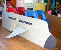 Fun Pretend Play Ideas for Kids : Dramatic Play Airplane. Turn your cardboard box into an airplane craft. Cool idea for transportation theme dramatic play area. Dramatic Play Area, Dramatic Play Centers, Dramatic Play Themes, Preschool Classroom, Preschool Activities, Learning Centers, Early Learning, Airplane Crafts, Cardboard Airplane