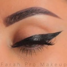 With this eyeliner hack, you will be a pro! Fall Dates, Best Wedding Makeup, Eye Liner Tricks, Eyeliner, Make Up, Hacks, Eyes, Style, Home