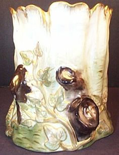 Belleek vace Belleek Vase, Belleek China, Belleek Pottery, Painted Porcelain, Porcelain Vase, Hand Painted, Vases, Irish American, Pottery Making
