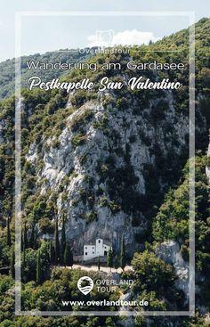 Es gibt noch Geheimtipps am Gardasee! Eine Sehenswürdigkeit, die nicht bekannt ist und eine Wanderung wert ist, ist die Pestkapelle Eremo di san Valentino bei Sasso (Gargano). Die Wanderung zur Pestkapelle Eremo di san Valentino startet südlich von Tremosine im Bergdorf Sasso oberhalb von Gargnano. Wandere zur Einsiedelei auf 772 Meter über den Gardasee und genieße das Panorama von dort. #gardasee #tremosine #wanderung #eremodisanvalentino #sasso #gargnano #pestkapelle Campari Spritz, Verona, City Photo, Valentino, Desktop Screenshot, Nice Comments, Signage, Lake Garda, Hiking