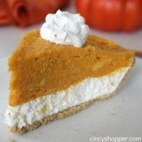 If you are needing an easy fall or holiday pie this No Bake 2 Layer Pumpkin Pie Recipe will be great. We love making no bake pies when serving a crowd durin Easy Pie Recipes, Easy No Bake Desserts, Pumpkin Pie Recipes, No Cook Desserts, Dessert Recipes, Dessert Dishes, Holiday Desserts, Sweet Desserts, Amazing Recipes