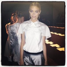 One of our favorites @jaime_king looking as chic as ever just before @prabalgurung's show. #RZFW - @thezoereport- #webstagram