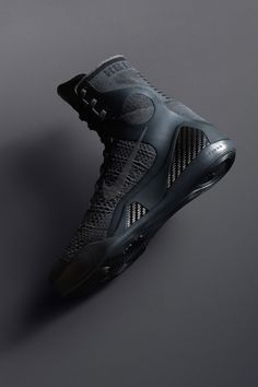 Insider access to the Nike Kobe 9 Elite 'FTB'. Explore, buy and stay a step ahead of the latest sneaker drops. Nike Boots, Mens Shoes Boots, Nike Snkrs, Nike Tech, Air Jordan Sneakers, Sneakers Nike, Jordan Shoes, Kobe Shoes, Trekking Shoes