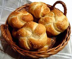 Bread Rolls, Party Snacks, Pretzel Bites, Kenya, Bread Recipes, Ham, Muffin, Toast, Goodies