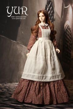 Yur by Iplehouse Barbie Gowns, Barbie Dress, Barbie Clothes, Pretty Dolls, Beautiful Dolls, Dream Doll, Victorian Dolls, Barbie Princess, Little Doll