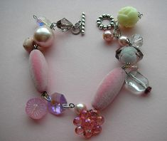 I would love to make a similar bracelet