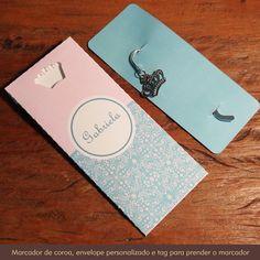 """Descrição:+Marcador+de+Página+com+charm+de+Coroa+Contém:+1+marcador+de+página/livro+com+charm+de+Coroa+++1+tag+personalizada+para+""""prender'+o+marcador+++1+envelope+personalizado+Cor:+prata+Medidas:+Marcador+(Altura+8,5+cm)+Medidas+da+Coroa+(Altura+1,8+cm)+Esse+produto+possui+envelope+e+tag+personalizada,+envie+um+e-mail+com+os+dados+para+personalização.+Se+houver+qualquer+dúvida+sobre+esse+produto,+basta+enviar+um+e-mail+que+responderemos+rapidamente.+contatocerejeira@gmail.com R$ 8,50"""