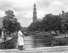 AMSTERDAM - De Prinsengracht met de Westertoren. juni 1943, Wo, Oorlogsjaren. ANP PHOTO Co Zeylemaker