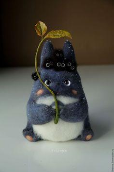 Needle felted Totoro by Fetreno