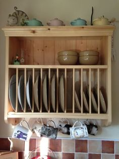 Wall-Mounted-Traditional-Solid-Pine-Plate-Rack