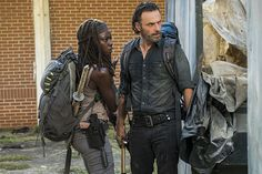 The Walking Dead - Rick Grimes ( Andrew Lincoln ) - Michonne ( Danai Gurira )