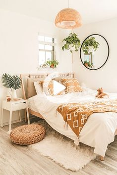 Cheap Bedroom Makeover Design Ideas,Cheap Bedroom Makeover Design Ideas Creative Home Decor Some ideas Designing domiciles may seem like a playful and exciting adventure, but the stark r. Decor Room, Home Decor Bedroom, Bedroom Inspo, Modern Bedroom, Cheap Room Decor, Bedroom Plants, Master Bedrooms, Wall Decor, Cheap Bedroom Makeover