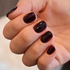 Intricate Short Acrylic Nails To Express Yourself Burgundy Acrylic Nails, French Acrylic Nails, Acrylic Nail Shapes, Acrylic Nail Designs, French Nails, Simple Gel Nails, Classy Nails, Stylish Nails, Encapsulated Nails