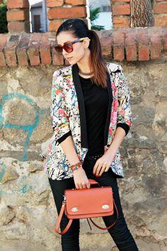 Apricot Contrast Collar Long Sleeve Floral Blazers - Sheinside.com
