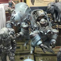 イエサブに展示してある横山先生の作例がカッコ良すぎて我慢できずに買ってしまった、、、😅 タマミーに向けて頑張ります! #模型塾 #イエローサブマリン #マシーネンクリーガー #machinenkrieger Diesel Punk, Sculpture Clay, Sculptures, Robots Characters, Beton Design, Sci Fi Models, Lego Mecha, Robot Concept Art, Mechanical Design