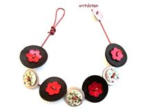 Bracelet made of shell flower buttons,vintage shell buttons and new shell buttons, beautiful button jewelry by oritdotan on Etsy