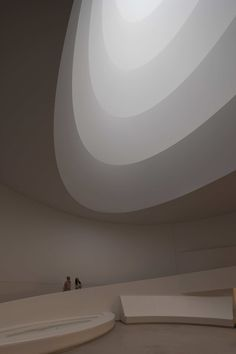 James Turrell Aten Reign, 2013 Daylight and LED light, dimensions variable © James Turrell (Photo by David Heald © Solomon R. Guggenheim Foundation, New York)  Read more at Gwarlingo: http://www.gwarlingo.com/2013/james-turrell-at-the-guggenheim/