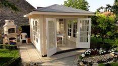 Eine tolle Wohlfühloase für jeden Garten: Unsere Kunden, die Familie Sigmund, präsentieren ihr neues sonderangefertigtes Teehaus.  #gartenhaus #teehaus #pavillon  http://www.blockhaus-24.de/schoenes-gartenhaus/ http://www.blockhaus-24.de/c/holzpavillon/