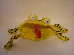 4th Grade Clay Frogs - Art Club idea?