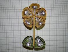 I created this Hershey's Flower way back in spring, but didn't have time to create a tutorial until now.  This is one of my more labor int...