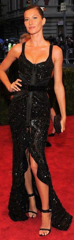 Gisele Bundchen in Givenchy  Zíper na frente